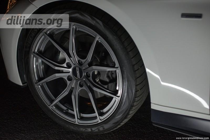 диски Vindeta Rizzo на машине BMW