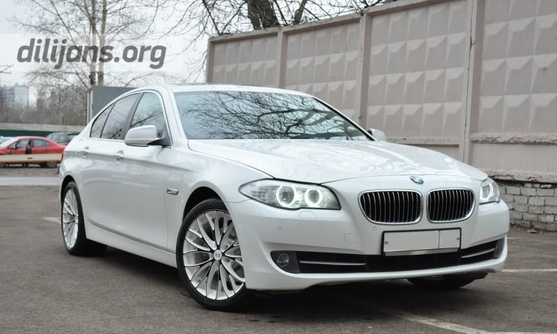 диски EtaBeta Piuma C White Shin Black Face на BMW 5-serii