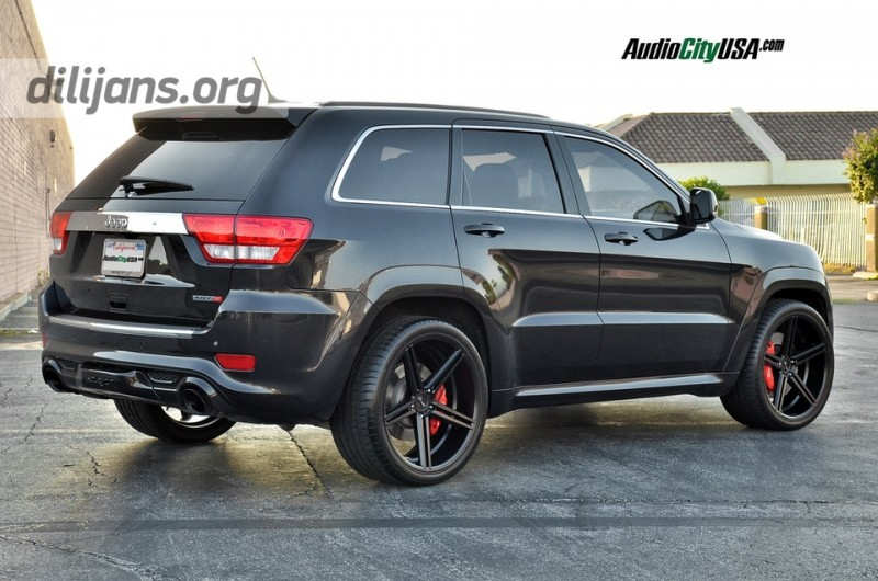 диски Gianelle Lucca black R22 на Jeep Grand Cherokee SRT-8