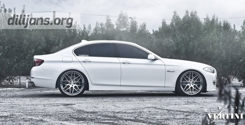диски Vertini Concave Magic Silver 22' на White BMWF10