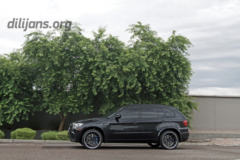 диски Giovanna Monza Black on BMW X5